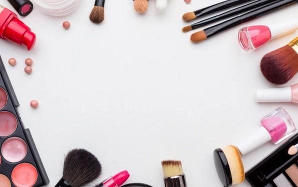Loja online: na Love Store Makeup você se maquia gastando pouco